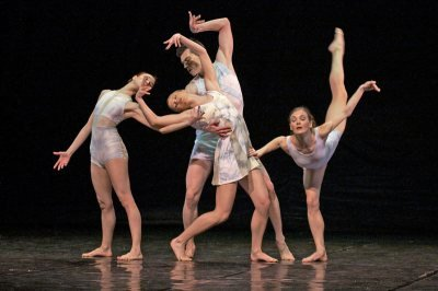Contemporary Dance Company Arabesque